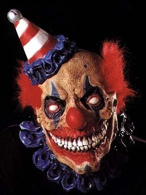 Un Clown peut en cacher un autre!
